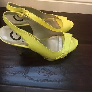 Guess patent leather platform heels size- 7.5